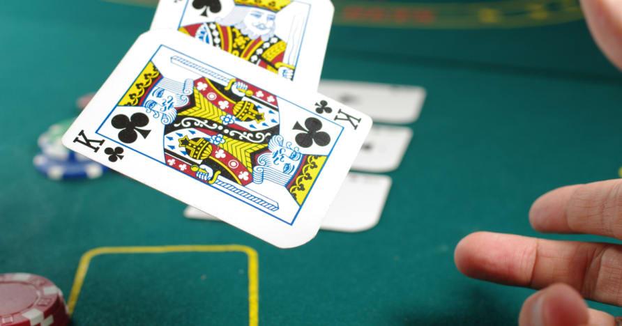 Ответить на несколько вопросов о стратегии покера Хорошо